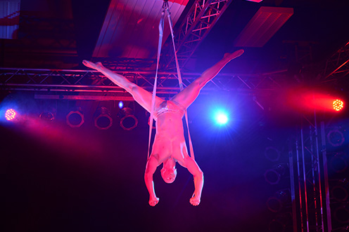 Showact Luft-Akrobatik Solo 07